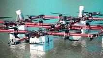 Lettonie : un homme saute en parachute depuis un drone