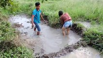 Amazing Fishing at Pailin Province - Cambodia Traditional Fishing - Khmer Net Fishing (Part 241)