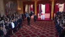 """""""Votre réussite sera la réussite de la France"""", dit Fabius à Macron lors du discours d'investiture"""