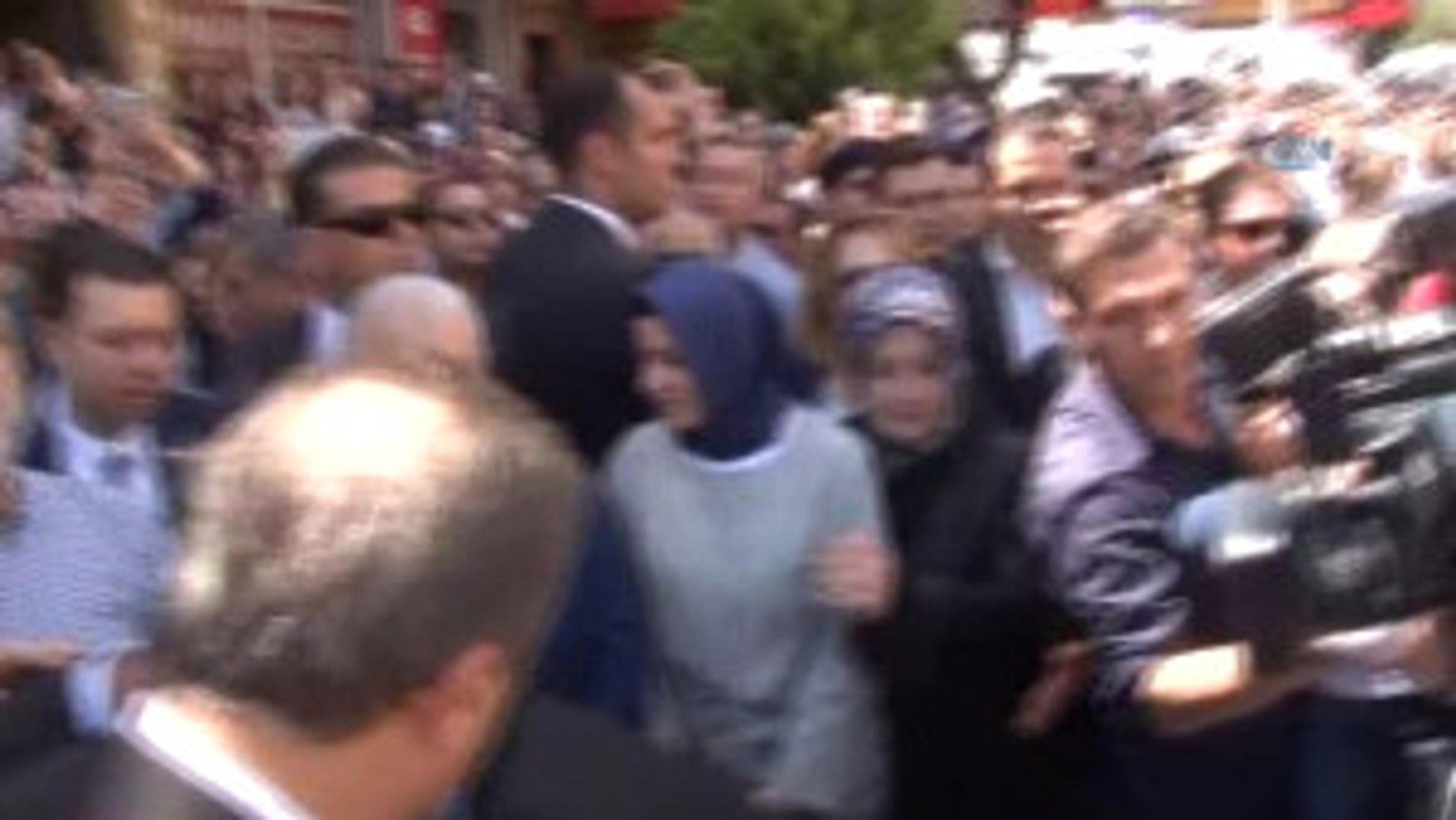 Başbakan Yıldırım, Kazada Ölenlerin Cenazesine Katıldı