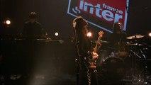 """Clara Luciani chante """"Comme toi"""" en direct sur France Inter le 22 avril 2017"""