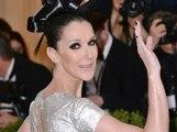 """Public Buzz : Micro entre les seins, Céline Dion joue les """"allumeuses"""" avec un fan"""
