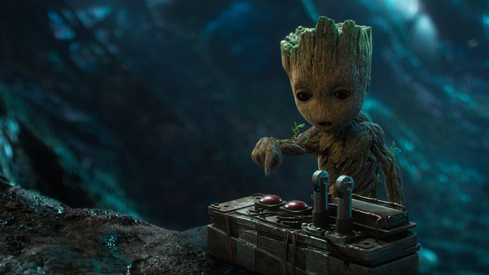Guardians Vol. 2: Baby Groot Surprises Fans On Hollywood Boulevard