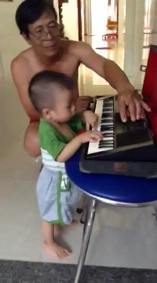 kid plays music 2