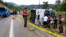 Muğla-Denizli Yolunda Otobüs Devrildi: 17 Yaralı