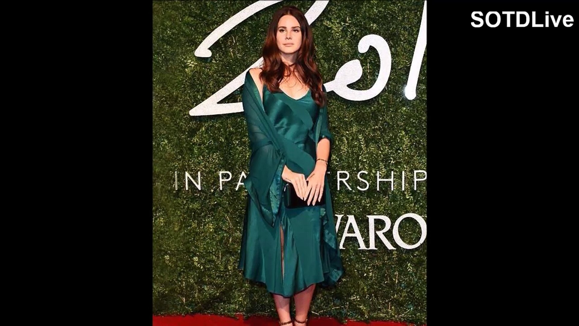 LANA DEL REY looks RAVISHING in GREEN DRESS | SOTDLive | Episode 10