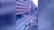 Istiklal Caddesi'nde Taraftar Kavgası : 1'i Bıçakla 5 Yaralı, 4 Gözaltı...