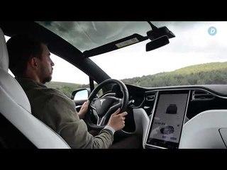 ¿Cómo puedes poner los parasoles en el Tesla Model X? |Diariomotor