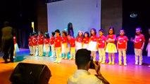 Engelli Minik Öğrenciler Murat Başaran'ın Şarkısını İşaret Diliyle Okudu