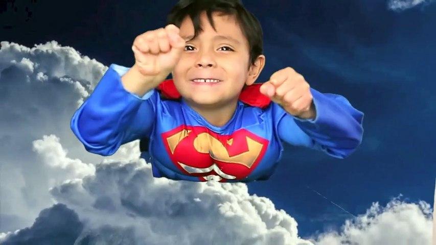 GIANT EGG SURPRISE BATMAN vs SUPERMAN TOYS Dawn of Justice SUPERHERO BATTLE Parody Opening real life-B8XXc1r