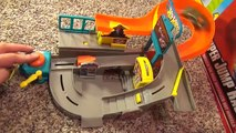 Hot Wheels Stunt Street City Playset with Launching Pizza Toy Review-sfUU0