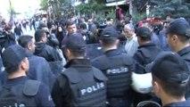 Ankara'da Polis, Eylemcilere Biber Gazı Ile Müdahale Etti