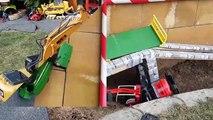 BRUDER Excavators crash video for kids!-p7Wh-vkJ