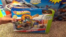 Hot Wheels Stunt Street City Playset with Launching Pizza Toy Review-sfUU