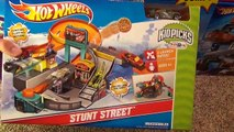 Hot Wheels Stunt Street City Playset with Launching Pizza Toy Review-sf