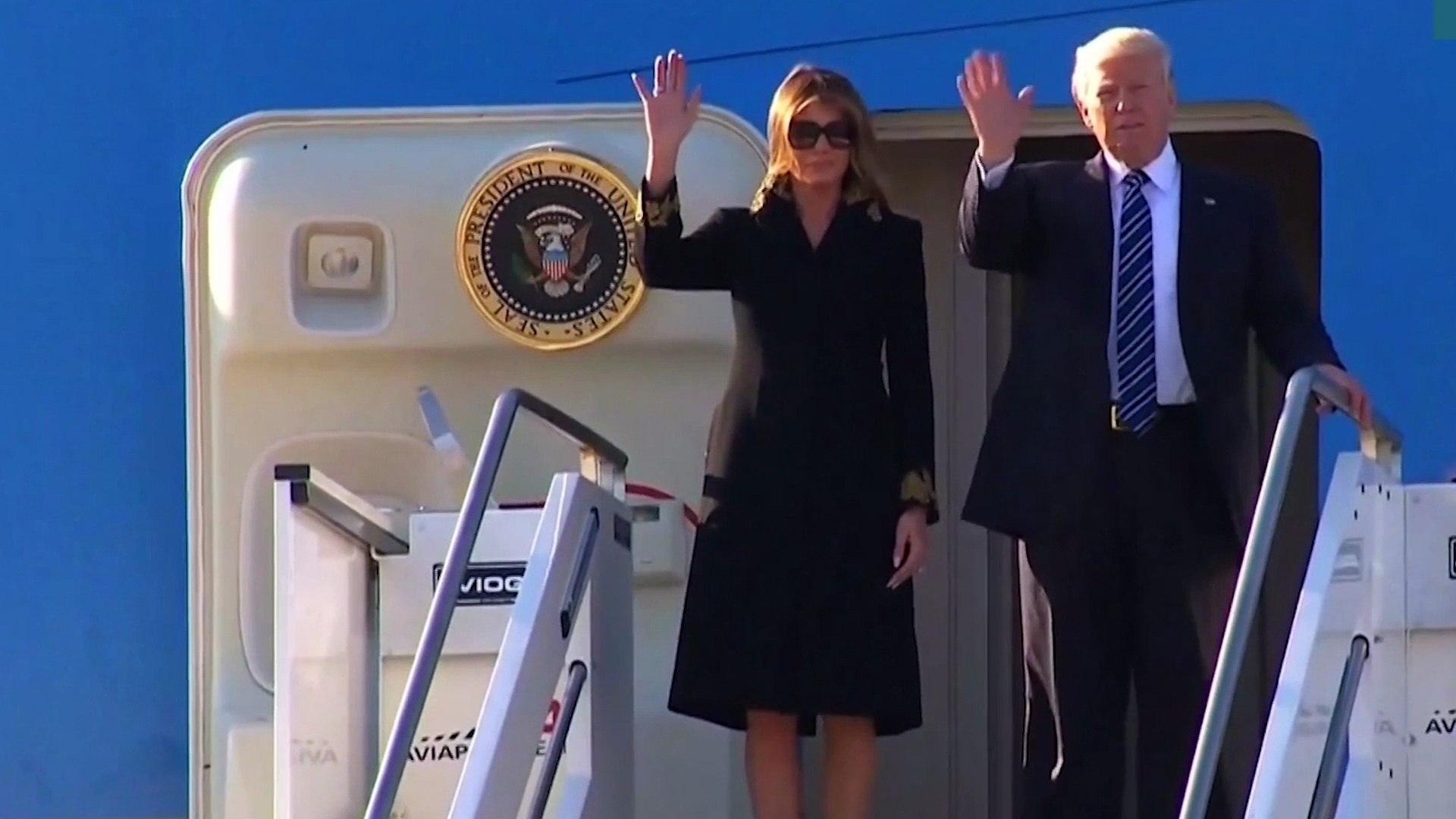 Melania Trump repousse à nouveau la main de Trump
