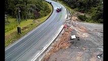 Truck Crash Extreme - Epic Extreme Trck Crashes - Crashes of Truck Too W
