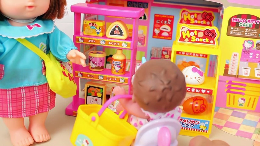 Poop in the refrigerator !! Baby doll toy play - Toyfamily 달님이 냉장고안에 똥이 들어있다 콩순이 아기인형 장난감놀이 - 토이패밀리