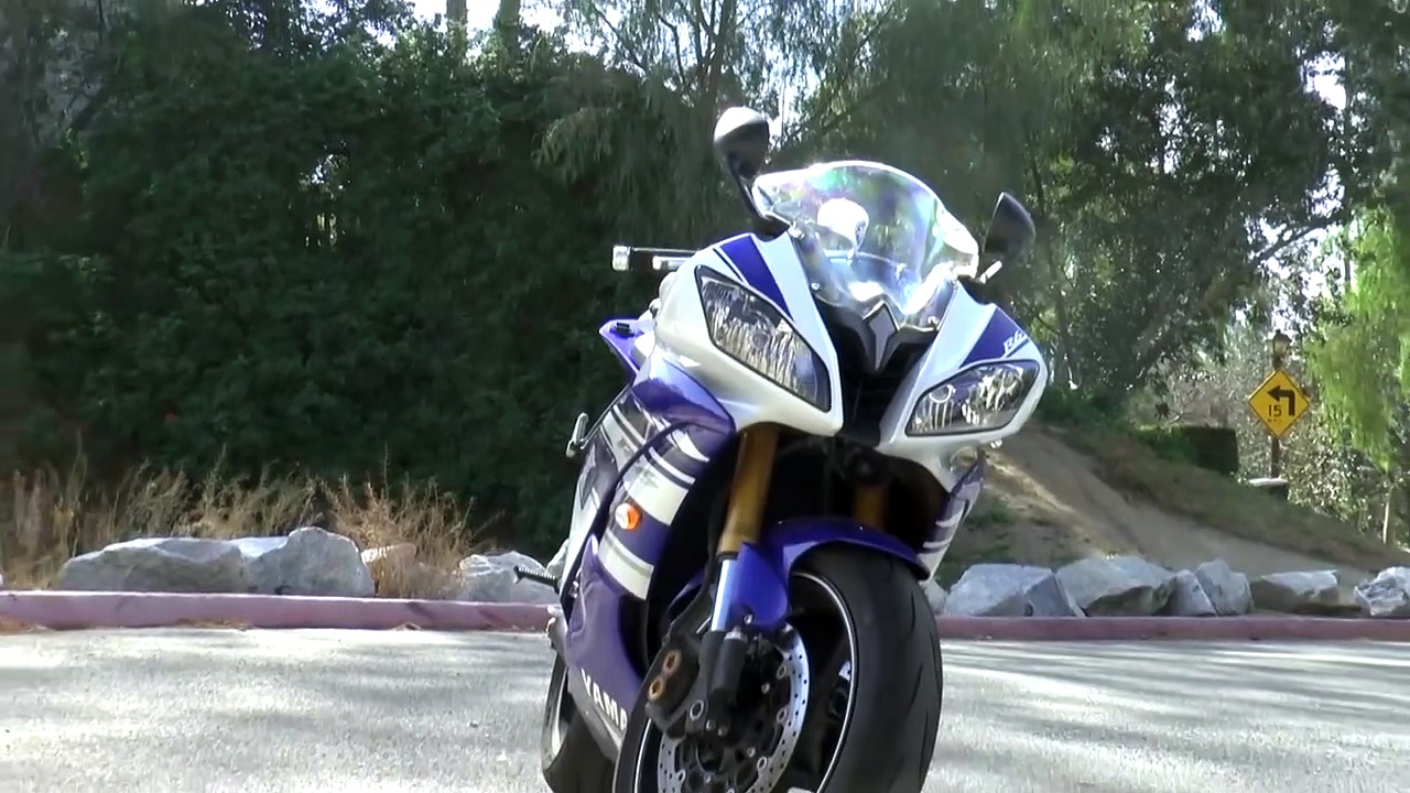 Yamaha R6 –