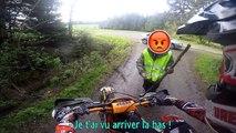 Un motard se fait menacer par un riverain