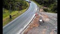 Truck Crash Extreme - Eic Extreme Truck Crashes - Crashes