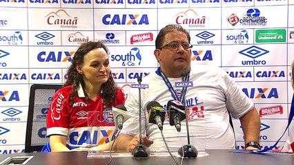 SENSACIONAL! Guto Ferreira leva banho dos jogadores em coletiva