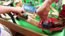 Et pour amis amusement amusement enfants cinétique jouer le sable tableau jouet Entrainer les trains thomas  