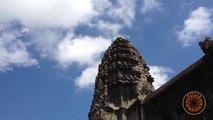 UFO Sightings 2017 _ UFOs Caught On Tape _ Strange light over Bakheng Temple