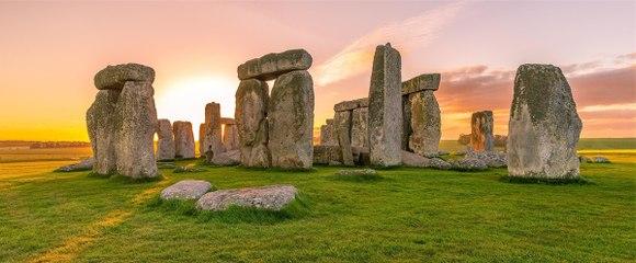STONEHENGE, ENGLAND (AERIAL VIEW HD)