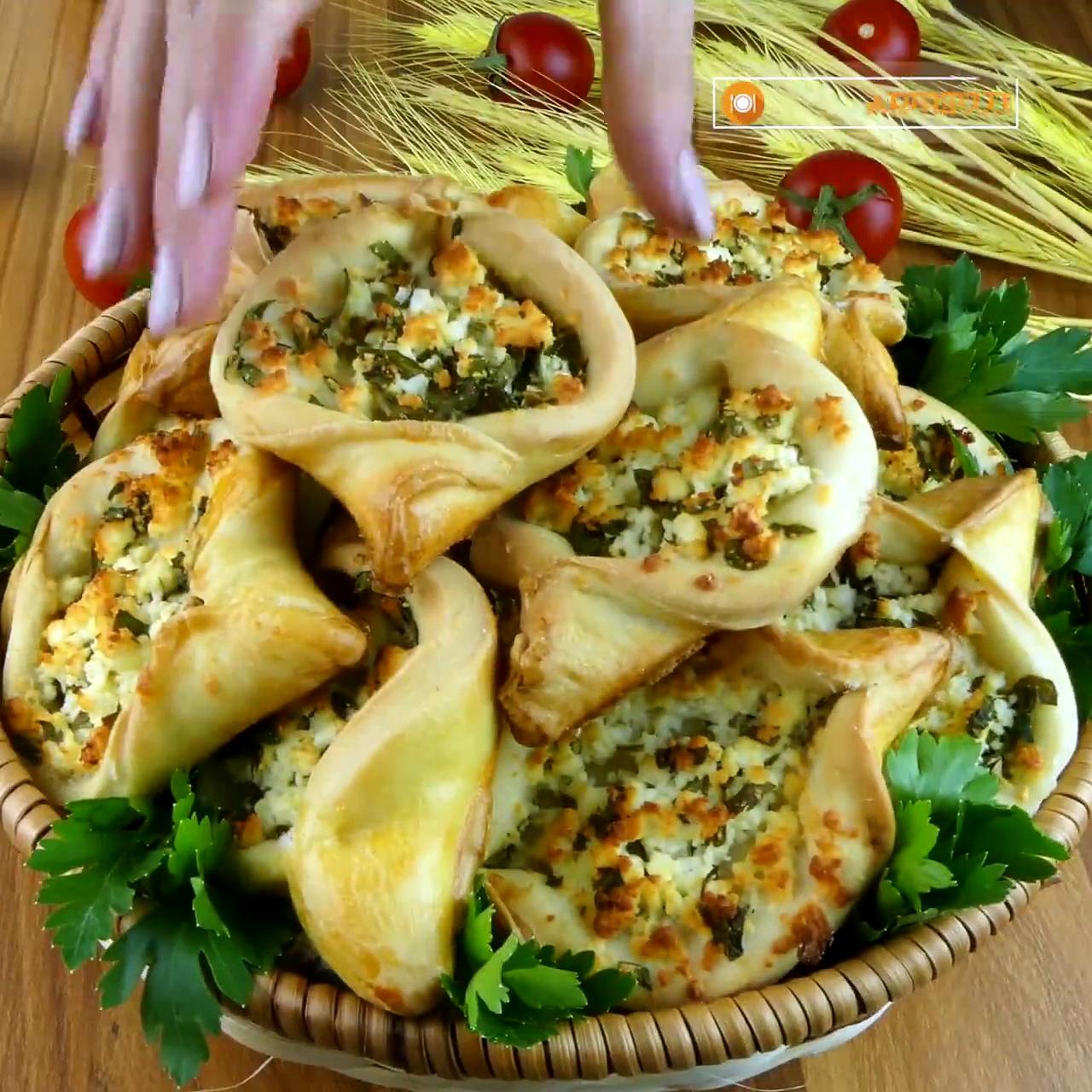 Лодочки с сыром фета! Быстрый и вкусный рецепт/Boats with feta cheese! Quick and delicious recipe