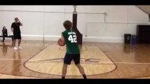 Antoine Griezmann enchaîne les paniers de basket à Boston (vidéo)