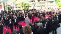 Júri de Almodóvar coroa sátira da burguesia ocidental em Cannes
