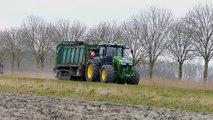 Spreading chicken manure   John Deere 8360R & Tebbe HS240 spreader on track