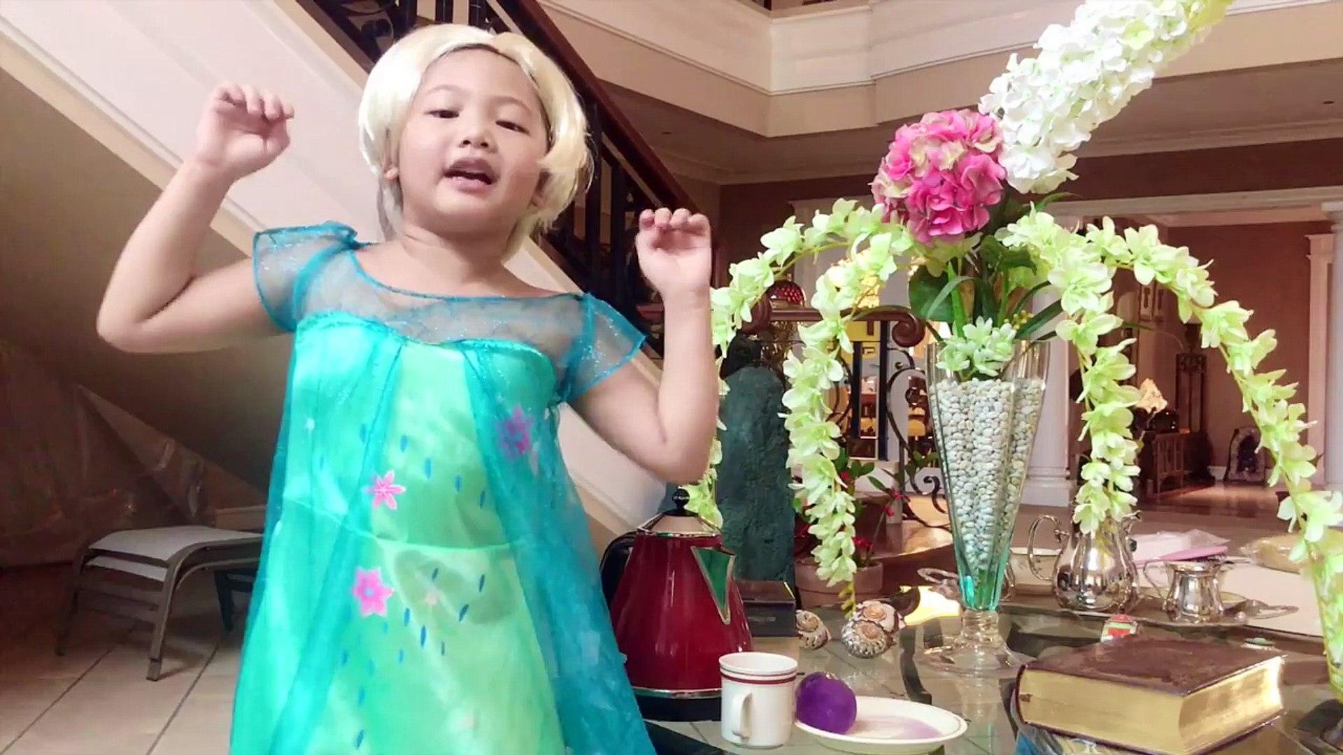 РЕЖЕМ ВОЛОСЫ София в ШОКЕ !Принцессы Диснея Princess Rapunzel Real Life Disney Princess To