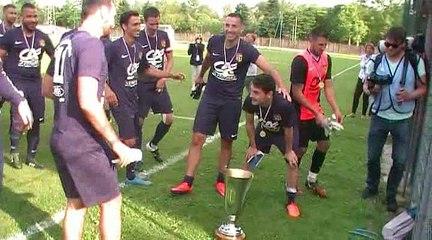 La joie du FC DOMTAC après la victoire en Coupe du Rhône