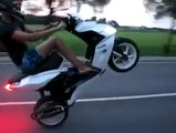 Easyboost.fr - Record du wheeling le plus long en scooter 5,6km !