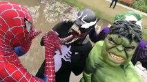 Spiderman SAW Piranha AMBUSH!!! Superheroes Fun Venom Joker Hulk Children Action Movies Fish Attack