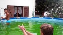 Vente je rentre dans une piscine deau gelée et très au mois de mars