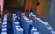Une fille détruit pour 200 000 dollars de d'oeuvres d'art en faisant un selfie !