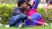 Indian Girl Enjoy kissing in public Park with Boyfriend Viral HD