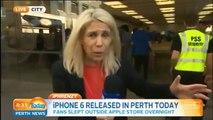 Il fait tomber son iPhone 6 devant la journaliste
