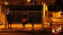 PEGADINHA  Tiro no ponto de ônibus  (Bus stop sniper Prank)