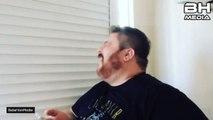 Emre MUTLU - Sürekli komik video izlettirmeye çalışan Youtube manyağı arka