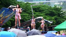 Taiwan festival celebrates 'tradition' with pole dancers [HD]