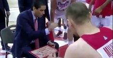 Ο Σφαιρόπουλος δίνει οδηγίες υπό τον ήχο του 'Είσαι στο μυαλό' - Ολυμπιακός vs Παναθηναϊκός - 11.06.2017