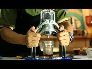 Meracik Espresso dengan Rokpresso