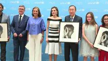 La Reina Letizia entrega los premios UNICEF España