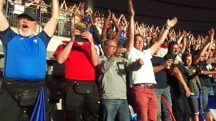 Clapping France