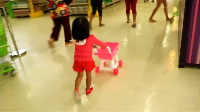 Baby Doing Grocery Shopping at Supermarket with Toy Shopping Cart - Donna The Exp