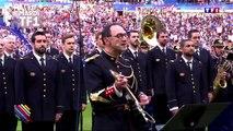 La Garde républicaine reprend du Oasis avant le match France - Angleterre au Stade de France